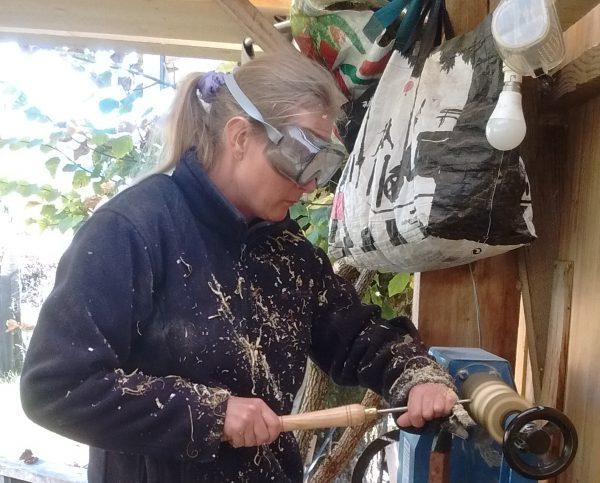 Projets de fabrication de bijoux et de jouets en bois